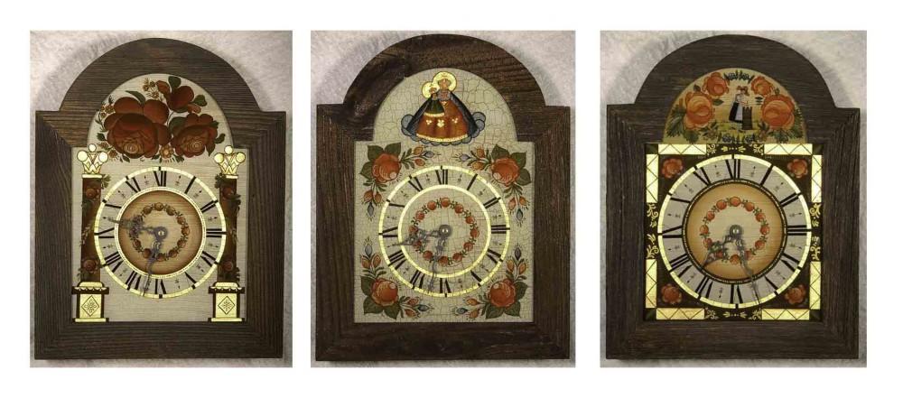 Hinterglasuhren, handbemalt, krakeliert, Öltechnik, echter Blattgold 23 KT, Rahmen: altes Holz
